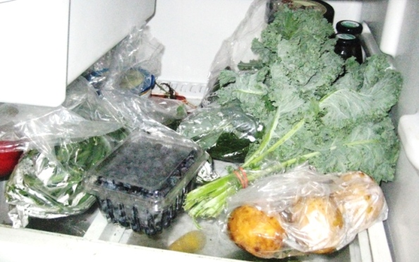 Week Three: Green beans, cooking greens, kale, potatoes, basil, and blueberries. Later that night I also found a kohlrabi tucked into one of the crisper drawers. Score.